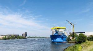 21052020 regioshoot Drechtsteden (37) IHC Kinderdijk Alblasserdam schip in aanbouw kraan scheepswerf rivier rechten Deal